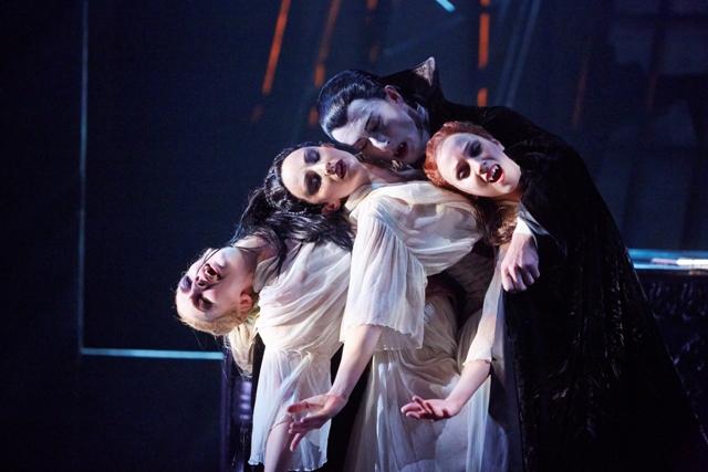 Tobias Batley as Dracula and Jessica Morgan, Hannah Bateman and Antoinette Brooks-Daw as the Brides of Dracula in Northern Ballet's Dracula. Photo Justin Slee