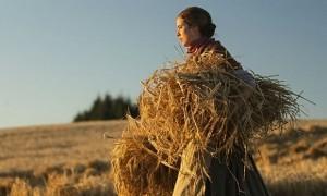 Agness Deyn in Sunset Song