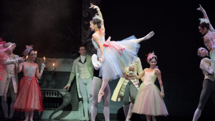 Rina-Kanehara-in-Manon-c-Laurent-Liotardo