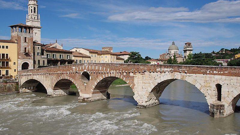 Ponte Pietra Vista