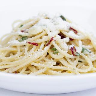 Spaghetti aglio, olio e pepperoncino