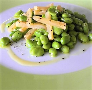 The Stinky Chef: Fava e pecorino (broad beans and pecorino cheese)