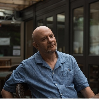 Nick Hornby. © Parisa Taghizadeh