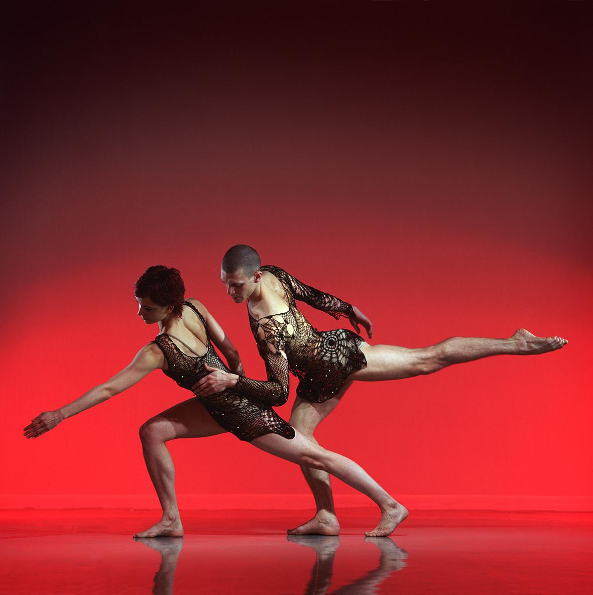 Shimmerdancers, JonathanGoddard & Ino Riga. Photo Chris Nash