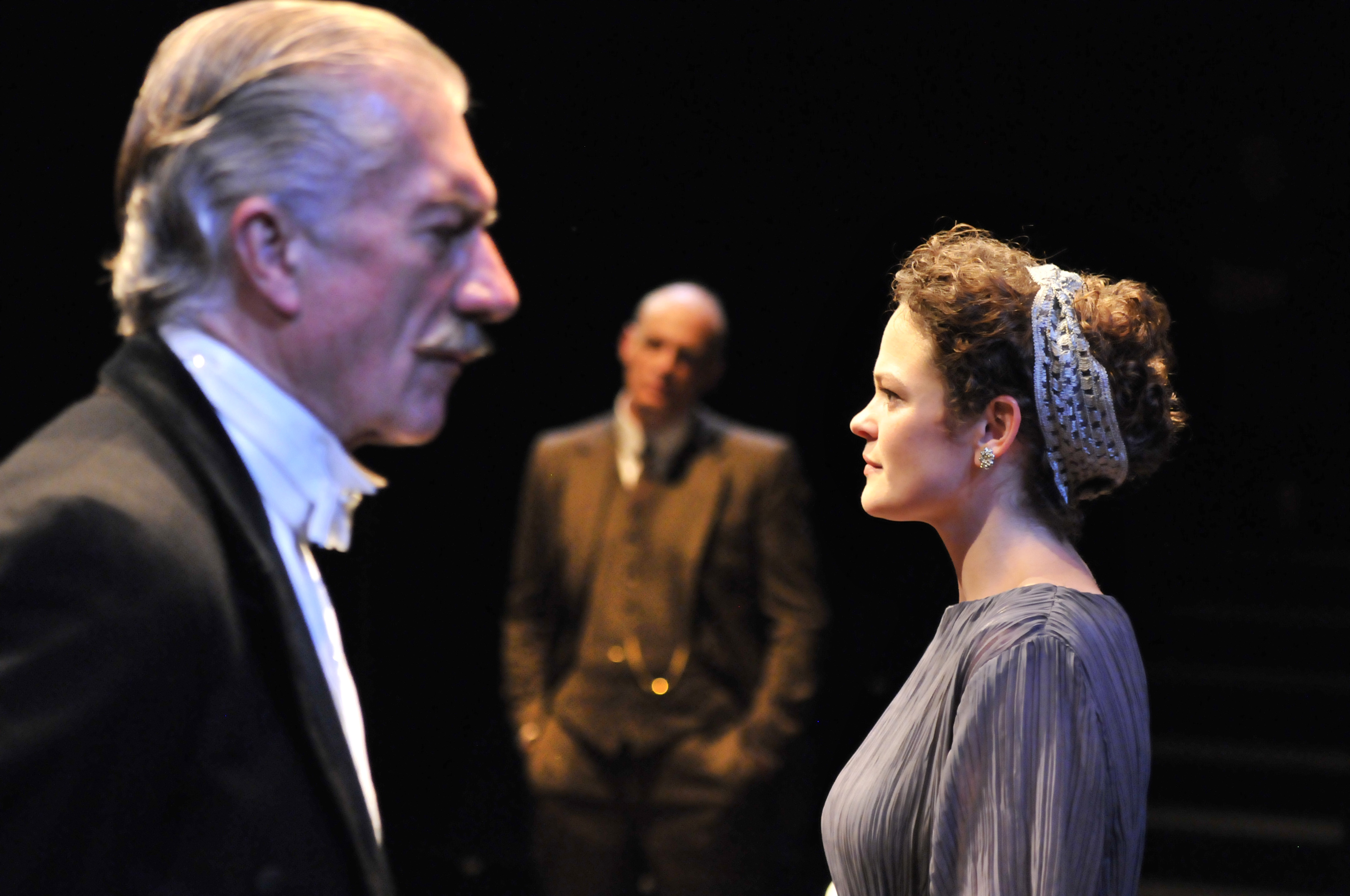inspector calls An inspector calls by jb priestley an inspector calls, by jb priestly, is the story of the visit by an inspector to an apparently normal family, the birlings they are celebrating sheila birling's engagement to gerald croft, who is also present, when the inspector arrives telling them of the suicide of a young girl called eva smith.