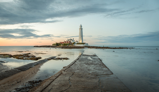 St Mary's Lighthouse by Phil Pounder