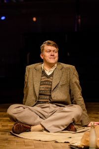 daniel-rigby-playing-alan-turing-in-breaking-the-code-photo-richard-davenport-3