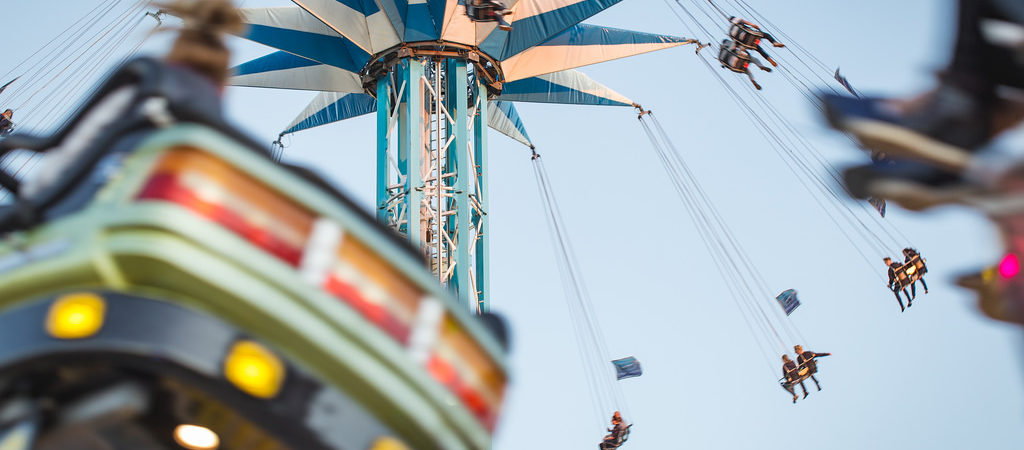 Colourful photographs of the funfair in NewcastleGateshead by Phil Pounder