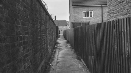 Burnley ginnel by Pete Hall