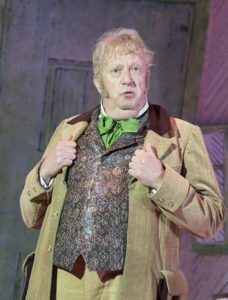 Mark-Williams-as-Doctor-Dolittle-in-DOCTOR-DOLITTLE.-Credit-Alastair-Muir