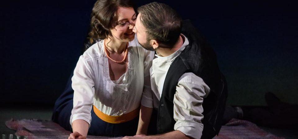Katie Bray as Varvara and Alexander Sprague as Kudryash © Jane Hobson