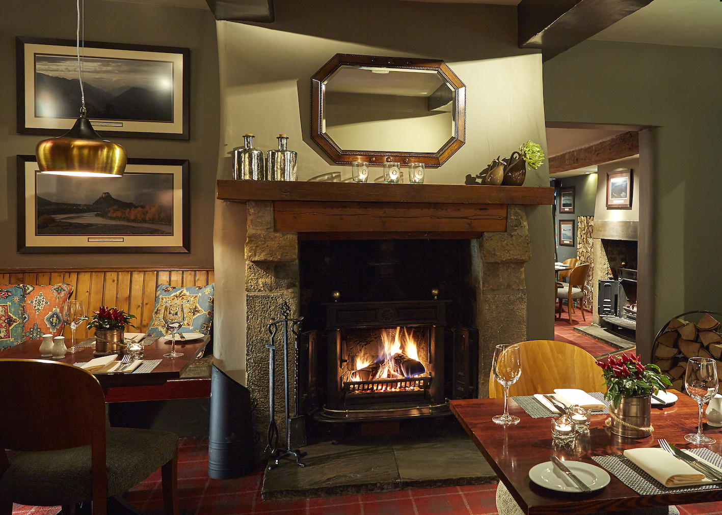 Middle room, The White Hart at Lydgate